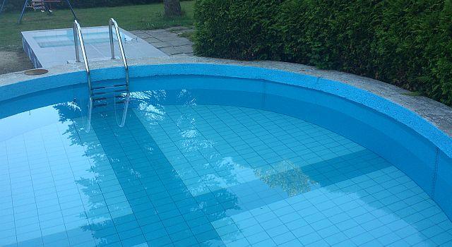 V horkém létě se můžete osvěžit, v zimě pak využít saunu a vířivku …